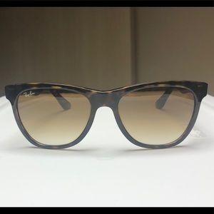 Brown Ray-Ban Sunglasses